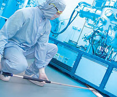 Clean Room Suits and Garment, Supplies and Equipment | Aramark
